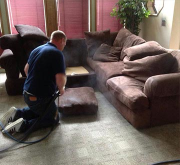 We are providing upholstery steam cleaning in Everett, WA.